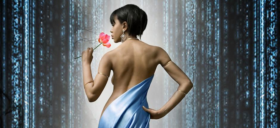Catrix ist eine elektronische Reise durch die Phantasie. Klangwelten vereinen sich mit eingängigen Rhythmen und Figuren, die einen fließenden Übergang zu symbolbehafteten Elementen aus Filmszenen bilden; emotional und visionär. Die[...]